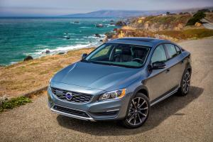 Volvo S60 Cross Country 2016 года (US)